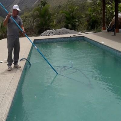 empresa de construccion de piscinas en cuenca